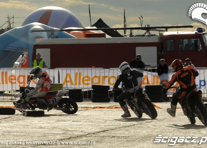 Lotnisko Bemowo Extreme moto 2009 wyscig SM