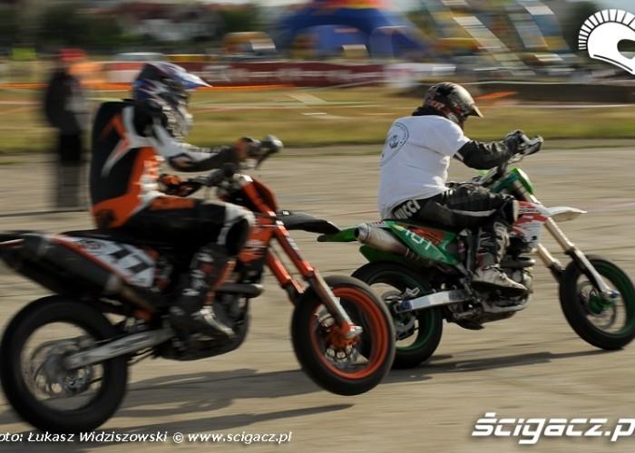 Lotnisko Bemowo Extreme moto 2009 wyscig supermoto