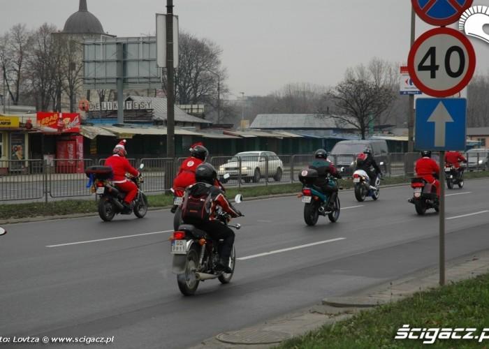 Mikolaje na motocyklach Lublin 2009 kolumna motocykistow