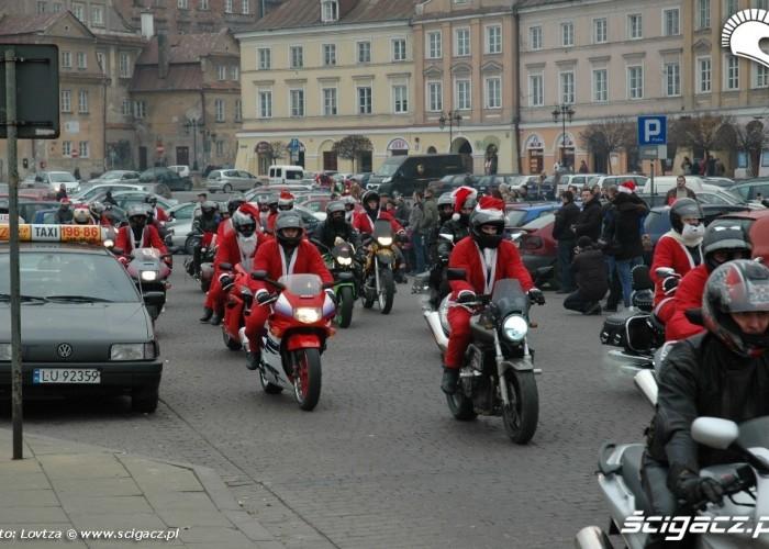 Mikolaje na motocyklach Lublin 2009 wyjazd z placu