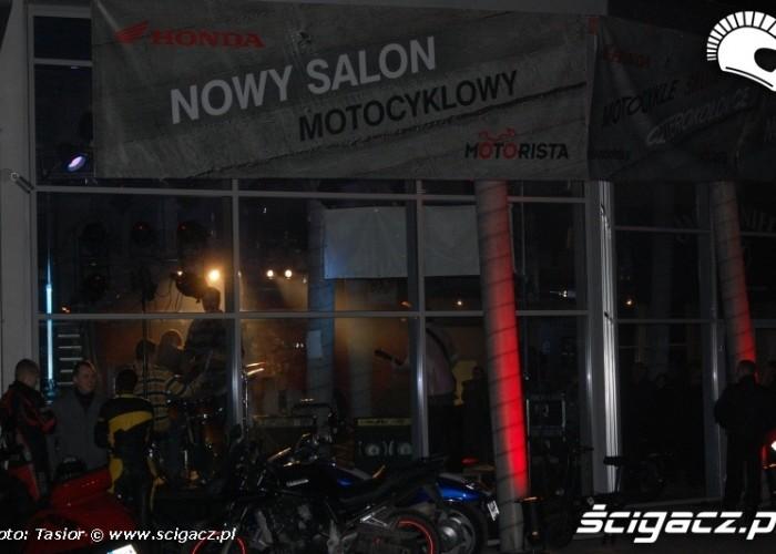 Motorista nowy salon