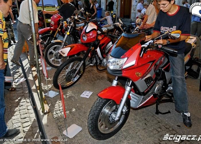 Nowy swiat motocykli 33