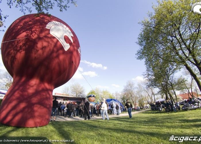 balon rozpoczecie sezonu 2009 mlodzi mlodym czestochowa 2009 b mg 0135