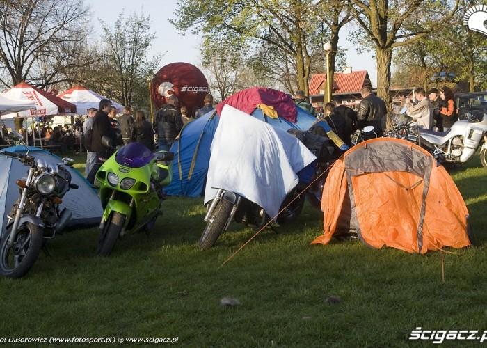 namioty rozpoczecie sezonu 2009 mlodzi mlodym czestochowa 2009 a mg 0205