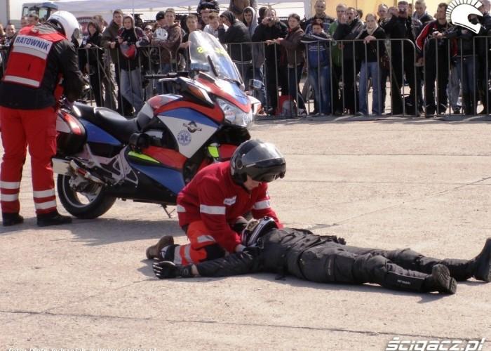 akcja ratunkowa Otwarcie sezonu motocyklowego Bemowo 2010