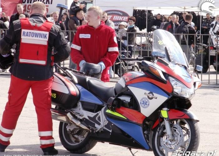 ambulans motocyklowy Otwarcie sezonu motocyklowego Bemowo 2010