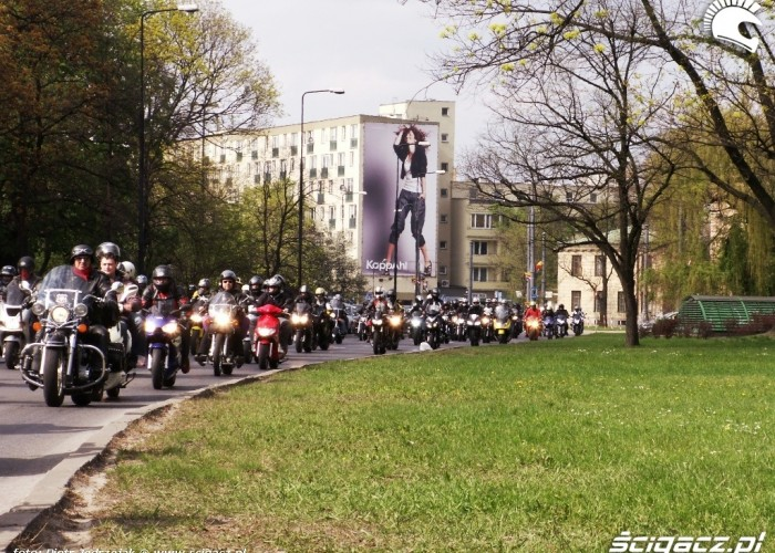 bardzo dluga parada Otwarcie sezonu motocyklowego Bemowo 2010