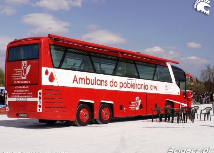 czerwony autobus Otwarcie sezonu motocyklowego Bemowo 2010