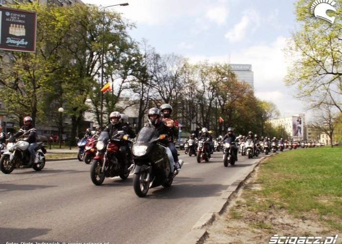 radosni motocyklisci Otwarcie sezonu motocyklowego Bemowo 2010