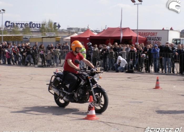 slalom z kubkiem Otwarcie sezonu motocyklowego Bemowo 2010