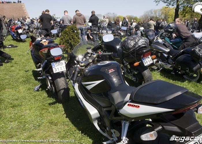 motocykle pod murami motocyklowa msza swieta zlot gwiazdzisty jasna gora 2009 b mg 0140