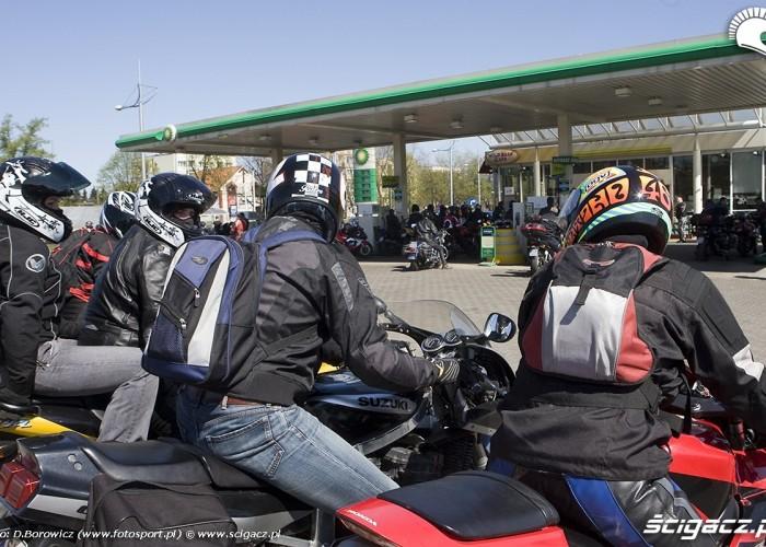 stacja bp motocyklowa msza swieta zlot gwiazdzisty jasna gora 2009 b mg 0183