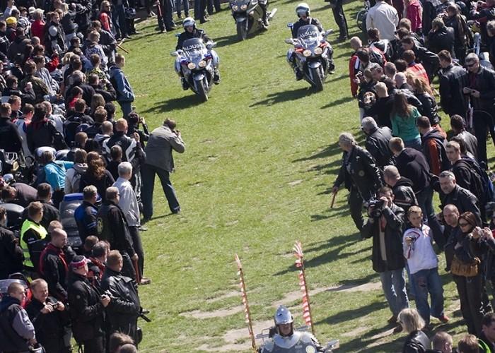 wjazd delegacji motocyklowa msza swieta zlot gwiazdzisty jasna gora 2009 a mg 0081