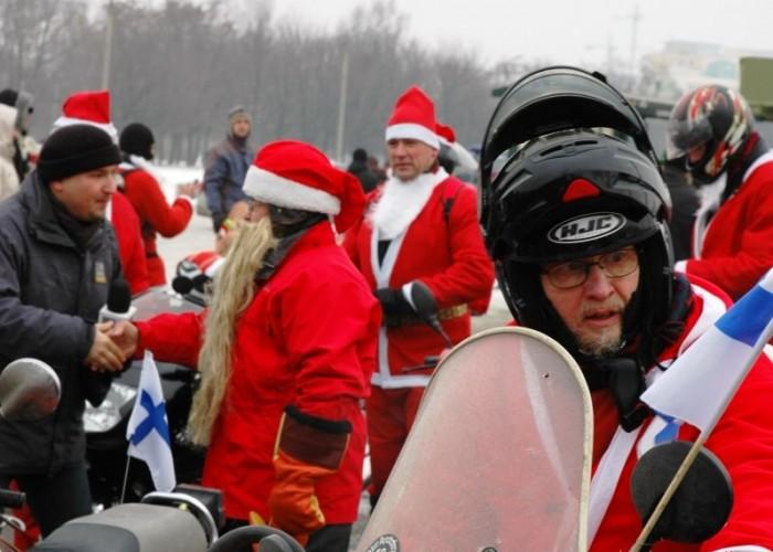Finowie na motocyklach motomikolaje w gdyni spocie i gdansku 2010