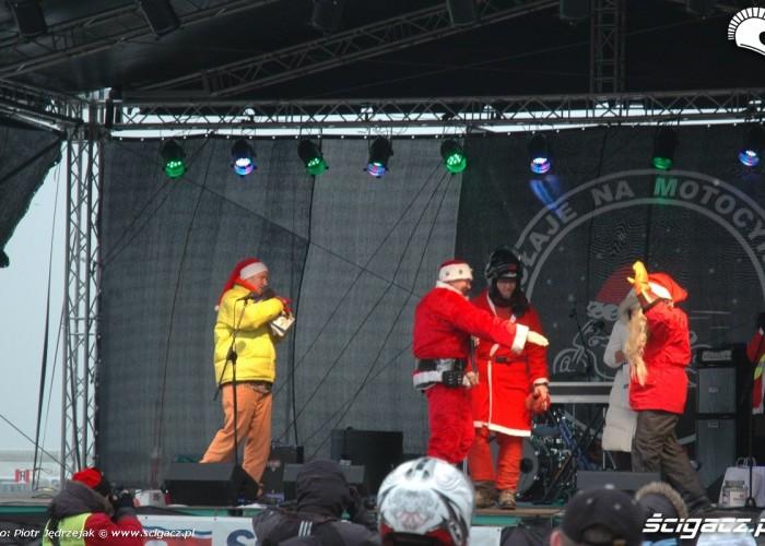 Finowie na scenie parada motocyklistow - mikojakow trojmiasto 2010
