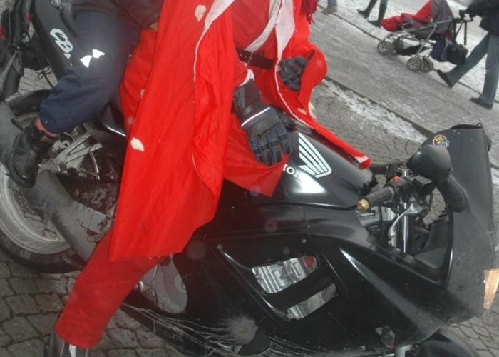 dziecko na moto parada motocyklistow - mikojakow trojmiasto 2010