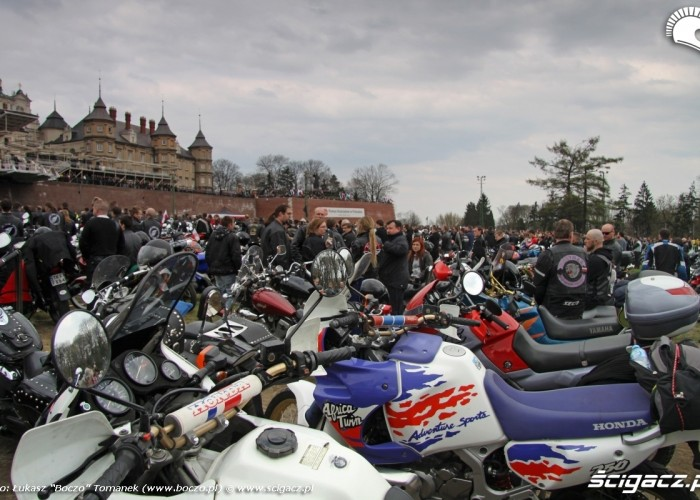 Jasna Gora motocykle na bloniach