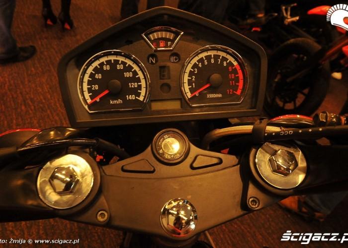 zegary w motocyklu Zipp