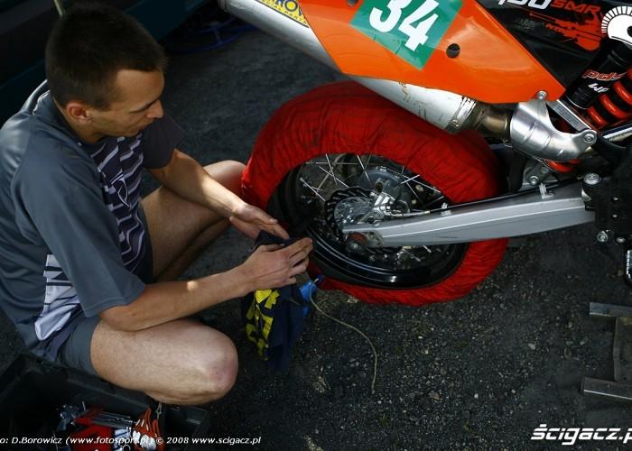 czyszczenie kola bilgoraj supermoto motocykle 2008 a mg 0042