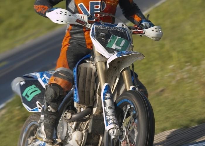 bartek cempel zakret lublin supermoto motocykle 2008 c mg 0136