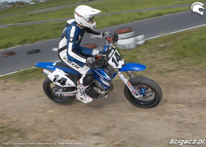 chochol teren wjazd lublin supermoto motocykle 2008 b mg 0042