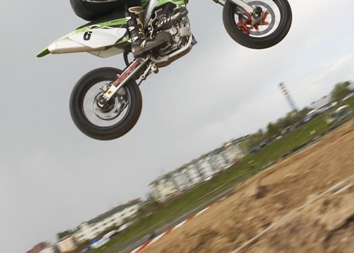 materka skok lublin supermoto motocykle 2008 b mg 0105