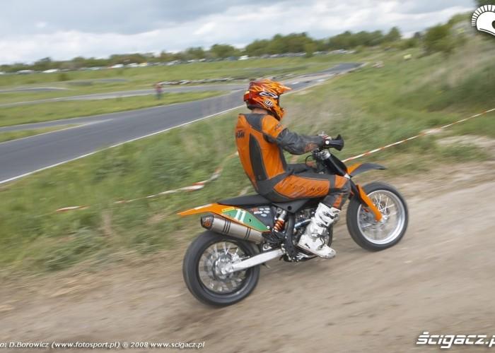 mochocki teren wjazd lublin supermoto motocykle 2008 b mg 0052