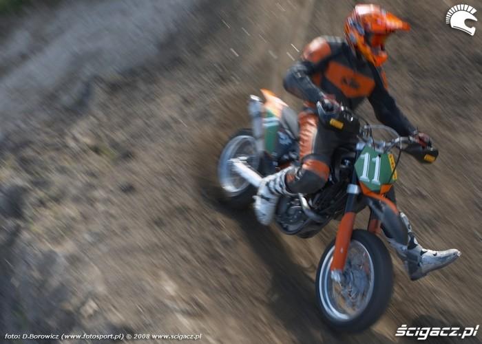 mochocki zakret lublin supermoto motocykle 2008 c mg 0461