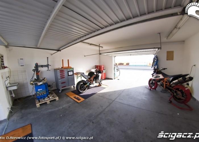 garaz ktm panoniaring 2009 b mg 0040