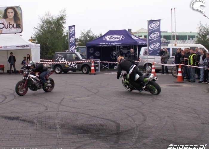 mlody i pasio drift motocyklowa niedziela BP 2010