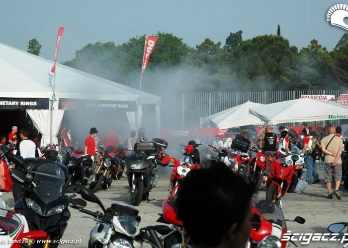 Ducati WDW 2010 palenie gumy