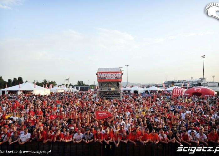 Ducati WDW 2010 publicznosc