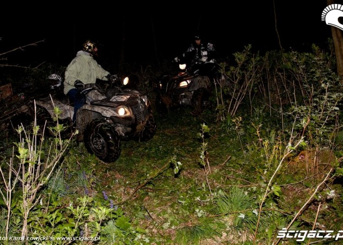 Noc na quadzie Yamaha Offroad Experience Ring Road trawa