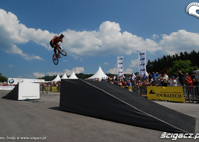 Mountain bike show