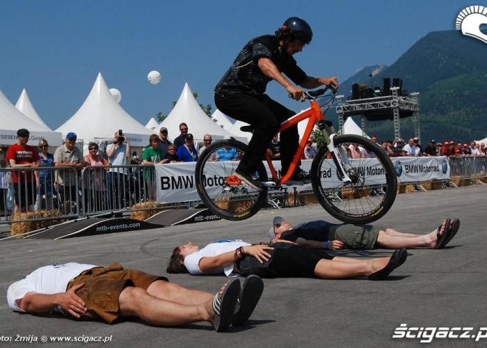 Pokaz trialu rowerowego