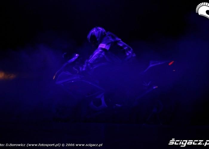 intermot 2007 laska Suzuki bonus 01
