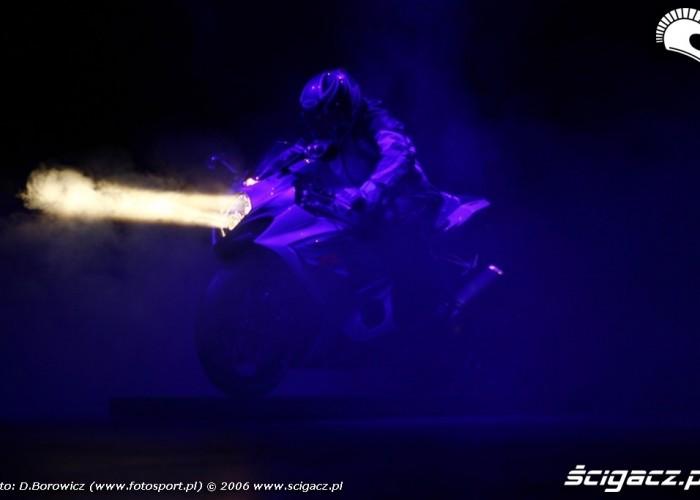intermot 2007 laska Suzuki bonus 04