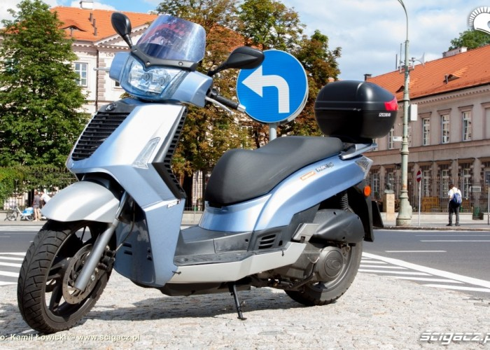 Kymco People S 300i lewy profil