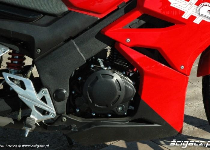 Zipp Pro 125 2010 prawa strona silnika