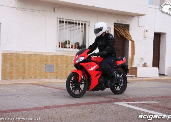 Zipp Pro 125 hiszpanskie miasteczko