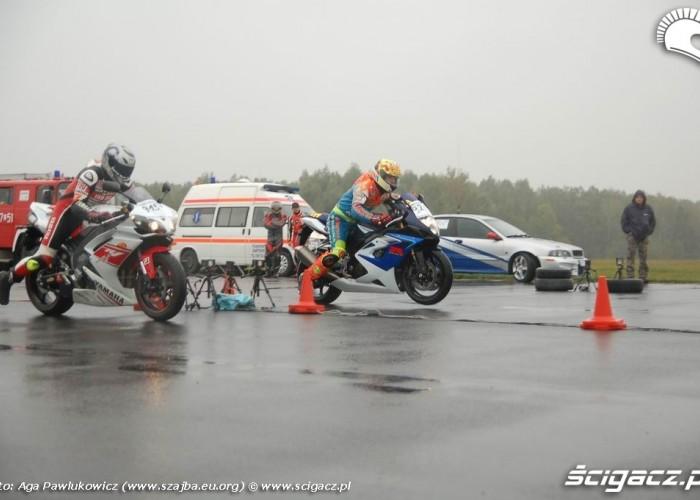 Ryki 1 4 mili Yamaha vs Suzuki