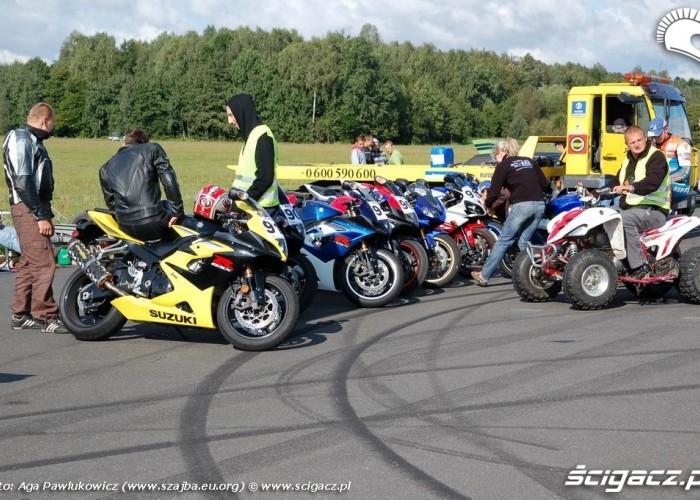 1 4 mili motocykle na pasie