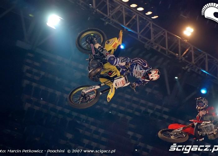 Lukas Weis Matt Buyten whip contest
