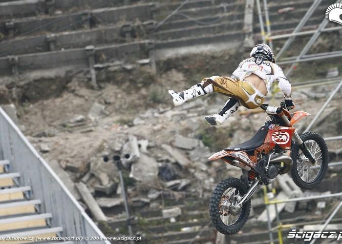 reboud motocykl leci treningi piatek redbull x fighters treningi piatek redbull x fighters mg 0051