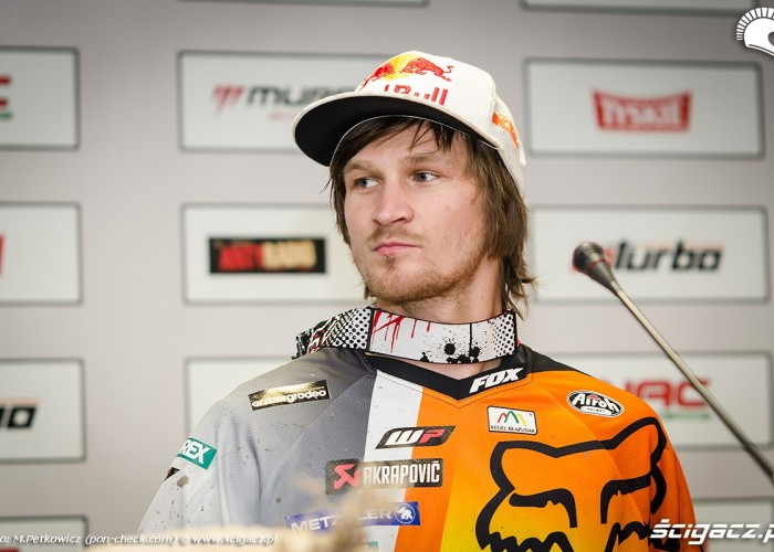 taddy blazusiak superenduro fox red bull