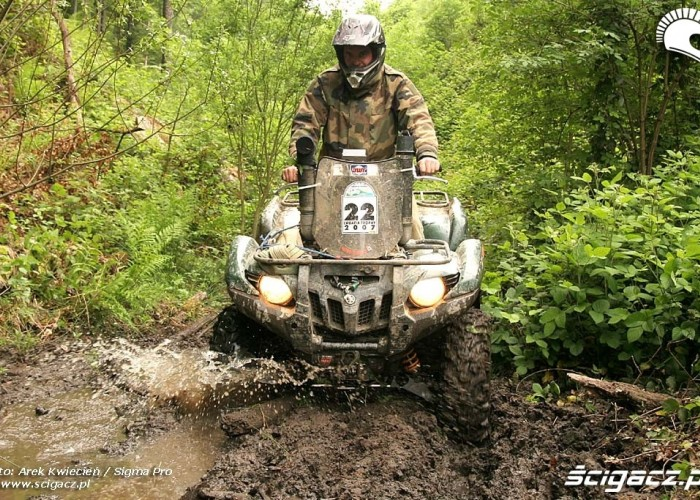 Yamaha Grizzly w blocie