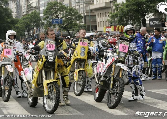 Motocyklisci Rajdu Dakar 2010 inauguracja zawodow