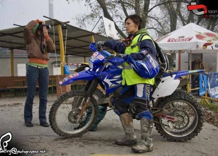 enduro opole kobieta na motocyklu