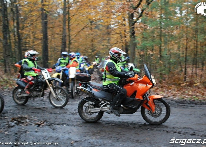 KTM Adventure 660 - 63 Pogon za lisem