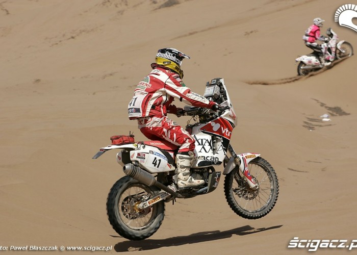 Rajd Dakar 2010 opuszcza pustynie odcinek